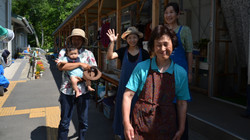 naburi fishing family good bye.jpg