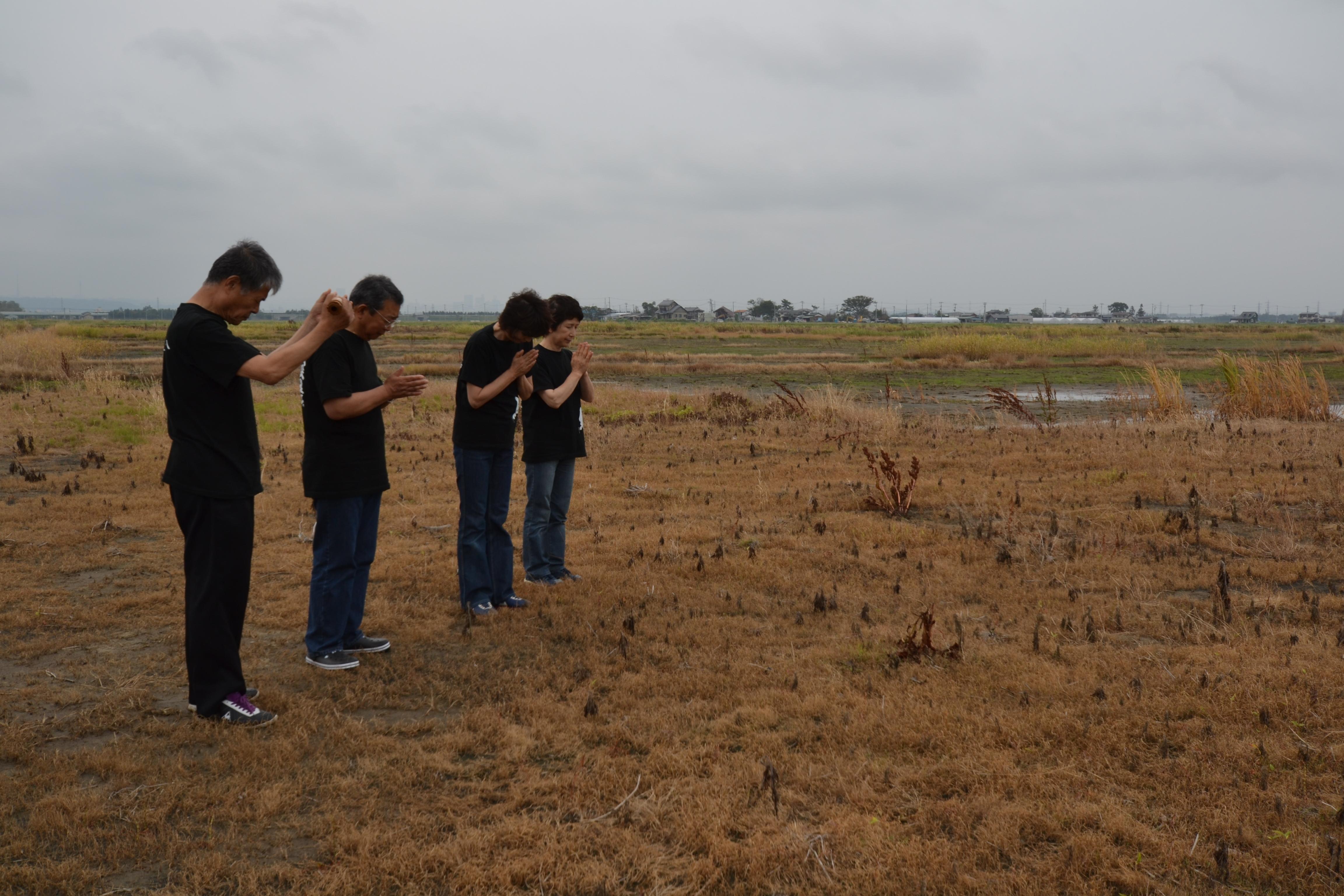 arahama ohashi san group swans fly pray together.JPG