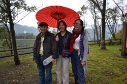 otsuchi red umbrella volunteers linda.JPG