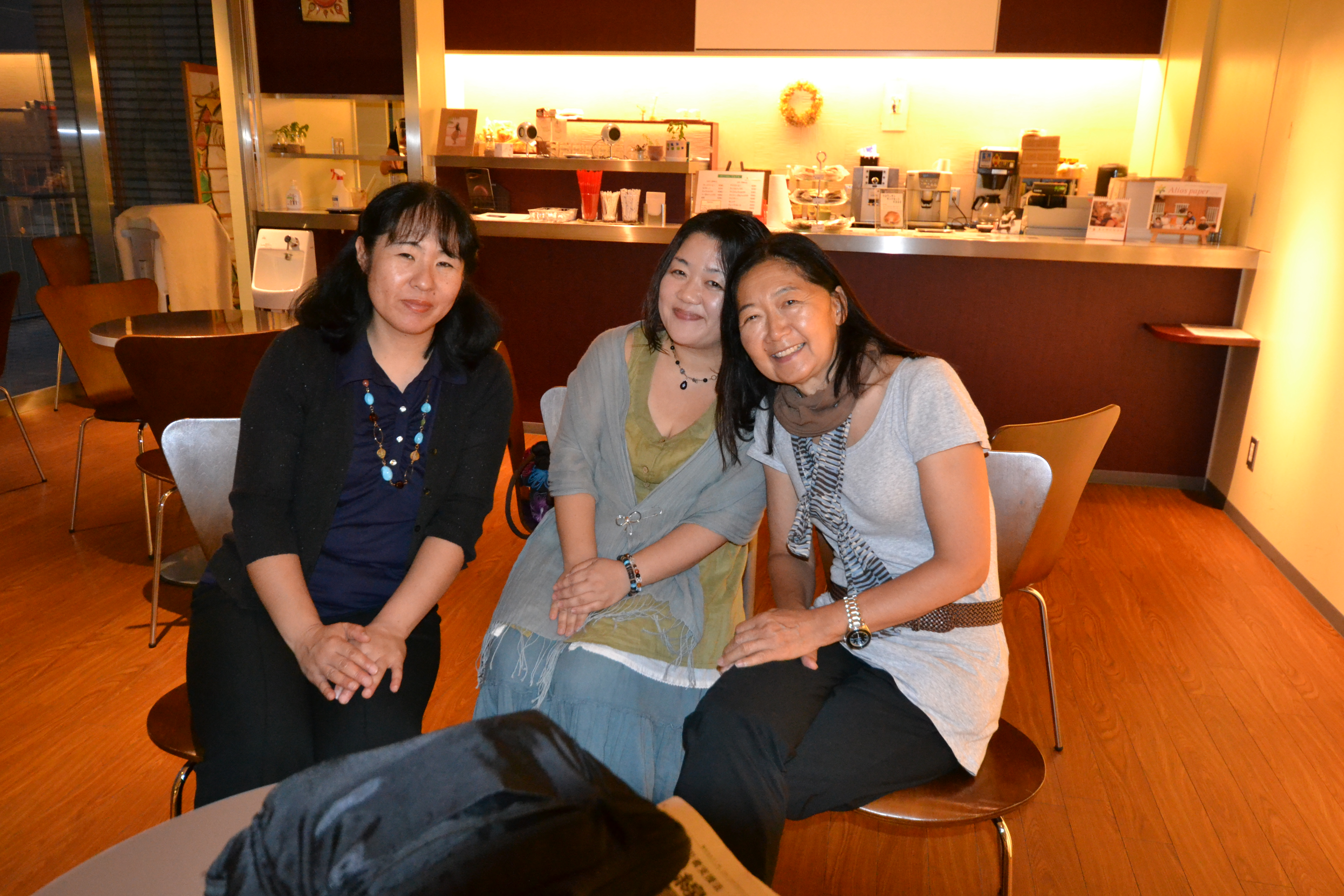 fukushima moms listening to their concerns as mothers with linda.JPG