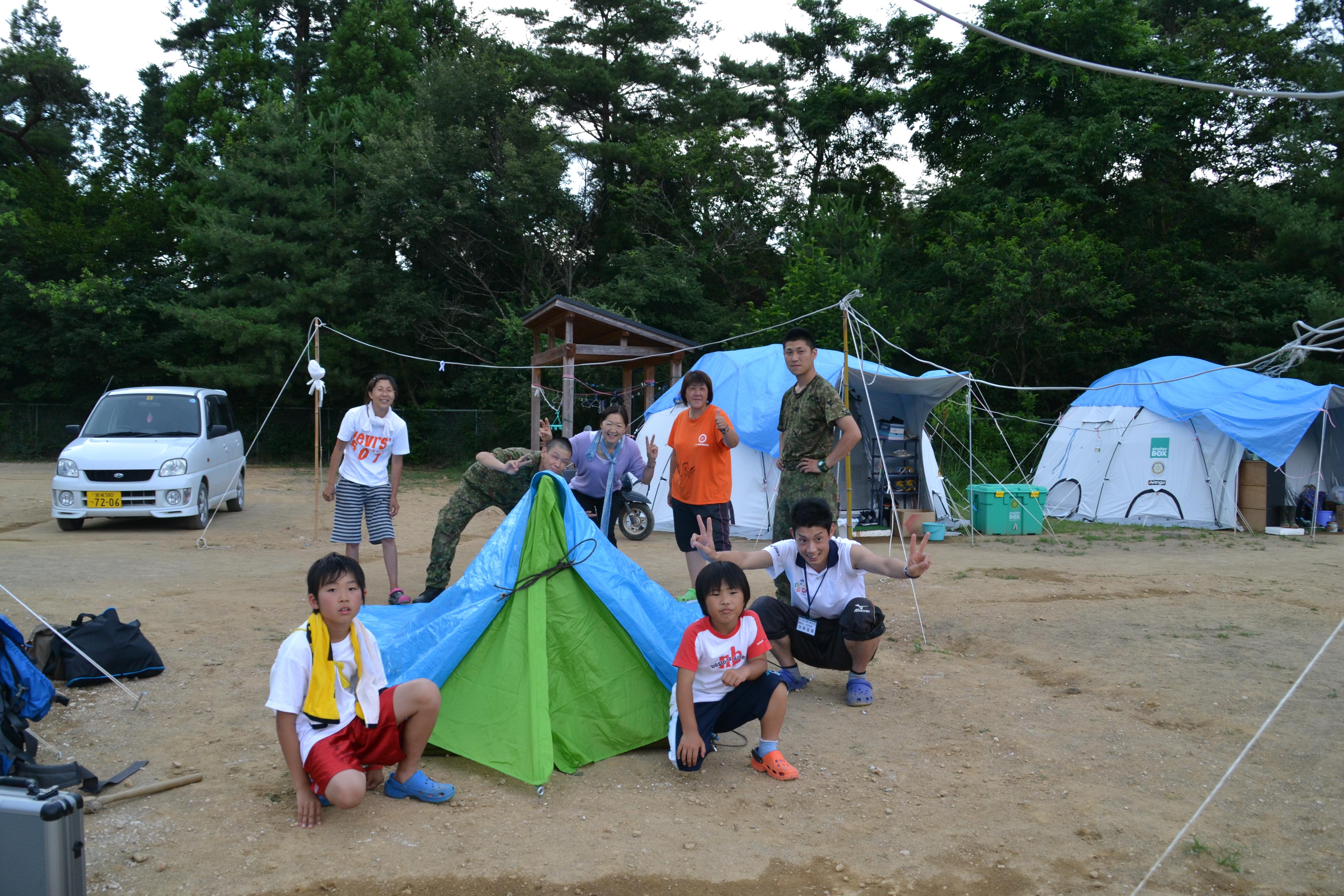 onagawa tent city with families, Jeitai, linda.JPG
