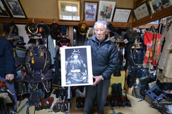 minamisoma samurai monma with photo and armor.JPG