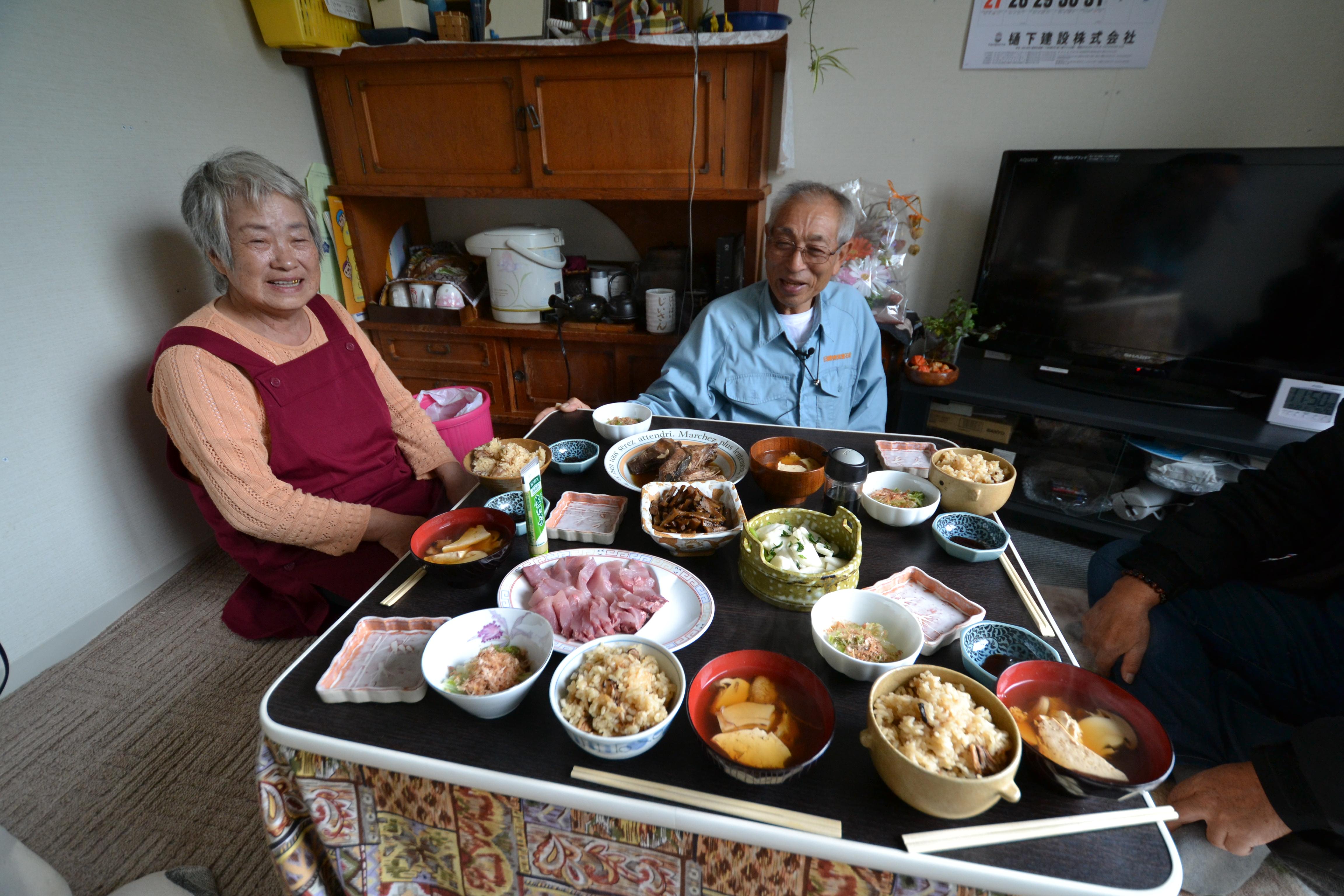 otsuchi lunch with kanako's mom and dad.JPG