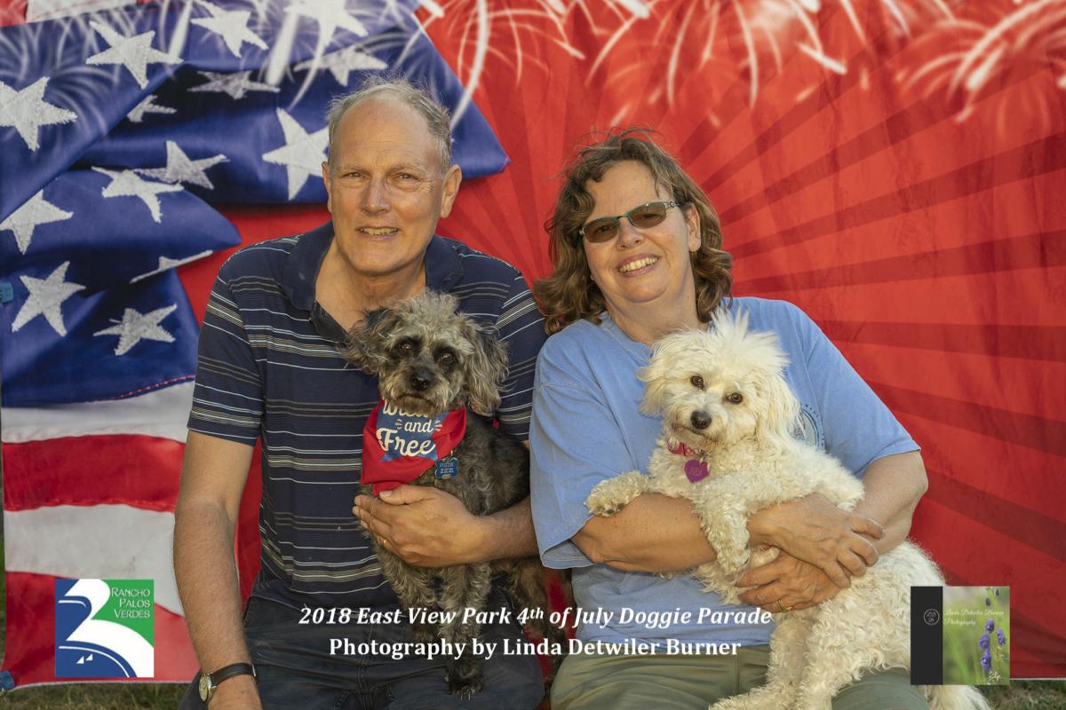 2018 0701 scott linda foz and bea w watermark-6921