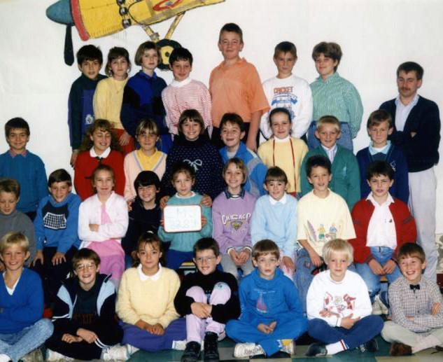 ob_75afd8_1988-cm2.jpg