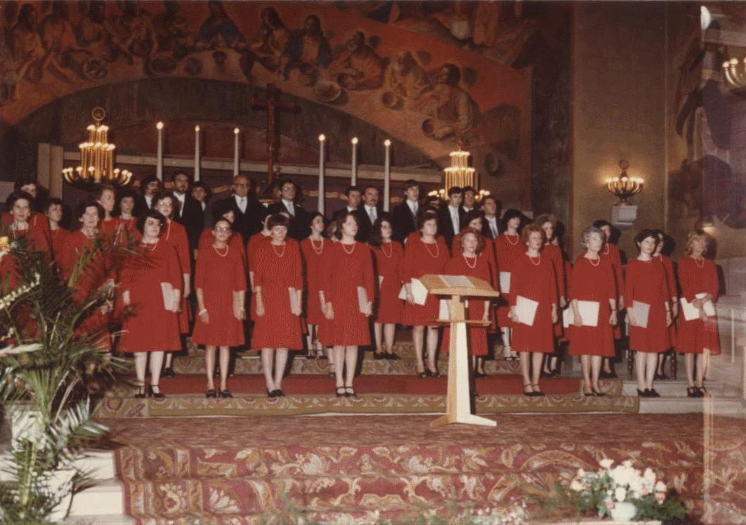 "Yves Ramette's choir ""Vox Ardens"" during a concert"