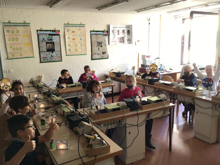 Exkursion der Klasse 4a in die Jugendtechnikschule