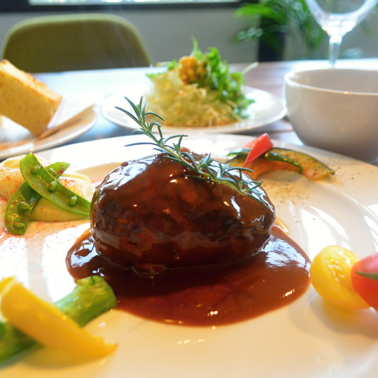 珊瑚tableハンバーグ ソースデミグラス / Sango table Salisbury Steak with Souce Demiglace ¥980
