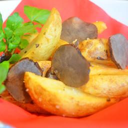 スパイシーポテト  / Spicy French fries Baked ¥450