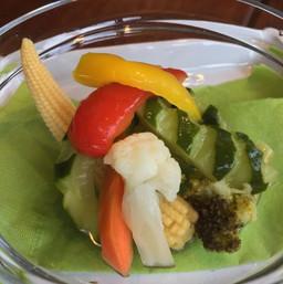 島野菜のピクルス / Pickled Okinawan Vegetables ¥350