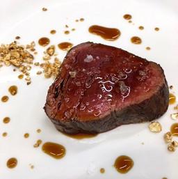 牛フィレ肉のステーキ / Beef Tenderloin Steak ¥1,580