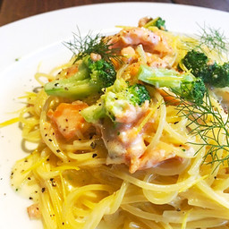 スモークサーモンのクリームソーススパゲッティ 〜レモンの風味〜 / Smoked Salmon Spaghetti with Cream Source ¥1,200