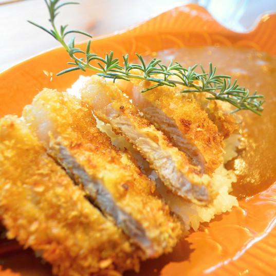 沖縄県産豚 カツカレー / Okinawa Pork Cutlet ¥1,200