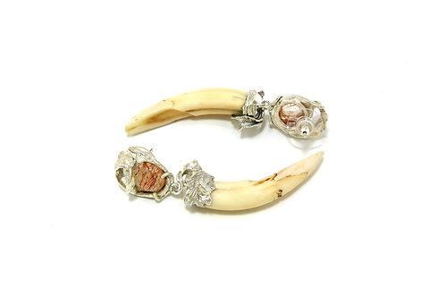 289€ - Brincos de prata com dentes de javali