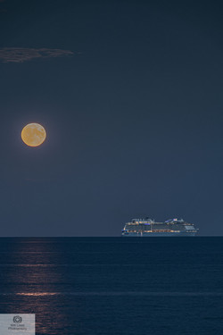 Full Moon rising over Bournemouth Bay