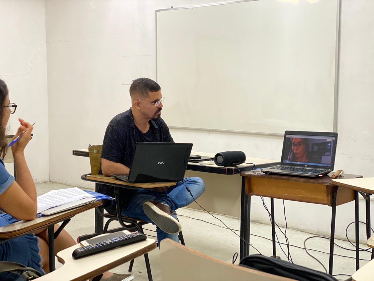 Defesa de mestrado de Victor Alexandre Garcia Souto (06/03/2020) no Programa Interdisciplinar de Linguística Aplicada da UFRJ