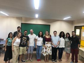 Grupo reunido na defesa de Mariana Roque (2018)