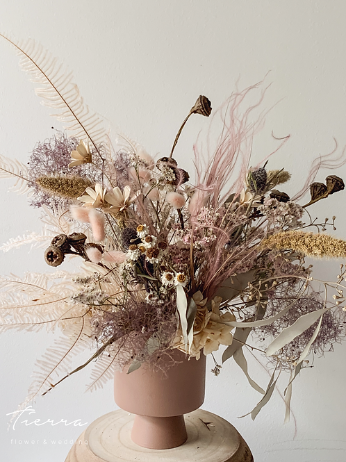 Dry flower arrange -pink -