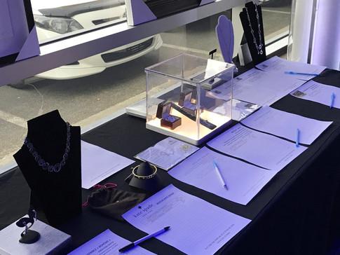 AirMedic presentoirs a bijoux.JPG