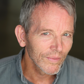 STEPHEN BOGARDUS (Charles Halloway)