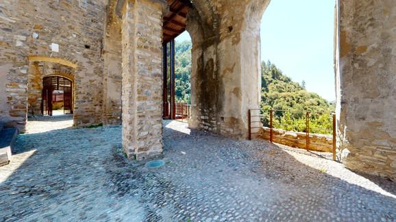 castello-di-dolceacqua-by-mcrevocom-corr