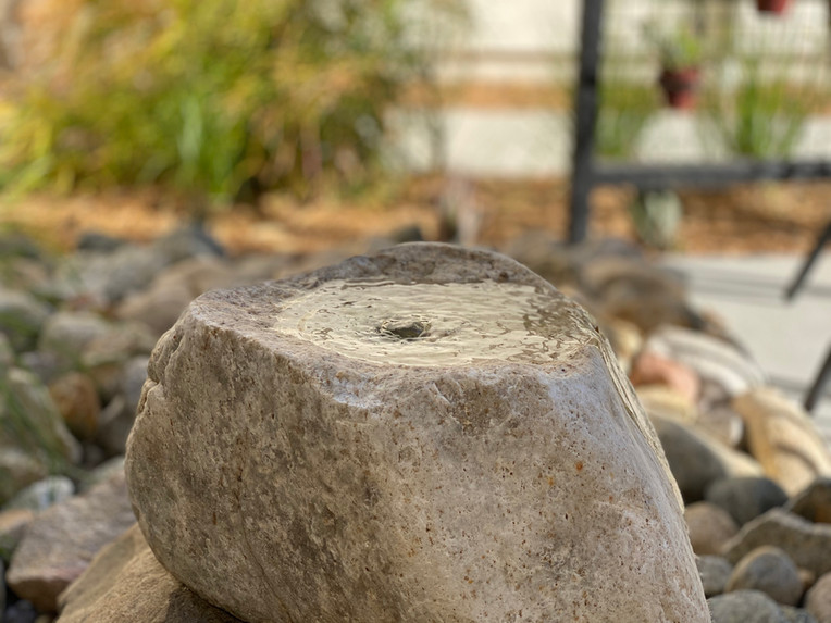Boulder water feature- small