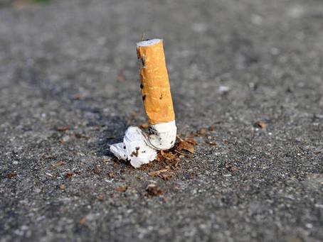 Mozziconi, scontrini ed altri rifiuti di piccole dimensioni: quanto può costare gettarli sul suolo?