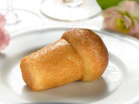 Il babà: gli ingredienti e la preparazione del dessert di origine francese