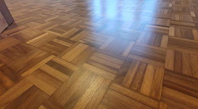 5 finger parquet floor sanded , resin fi