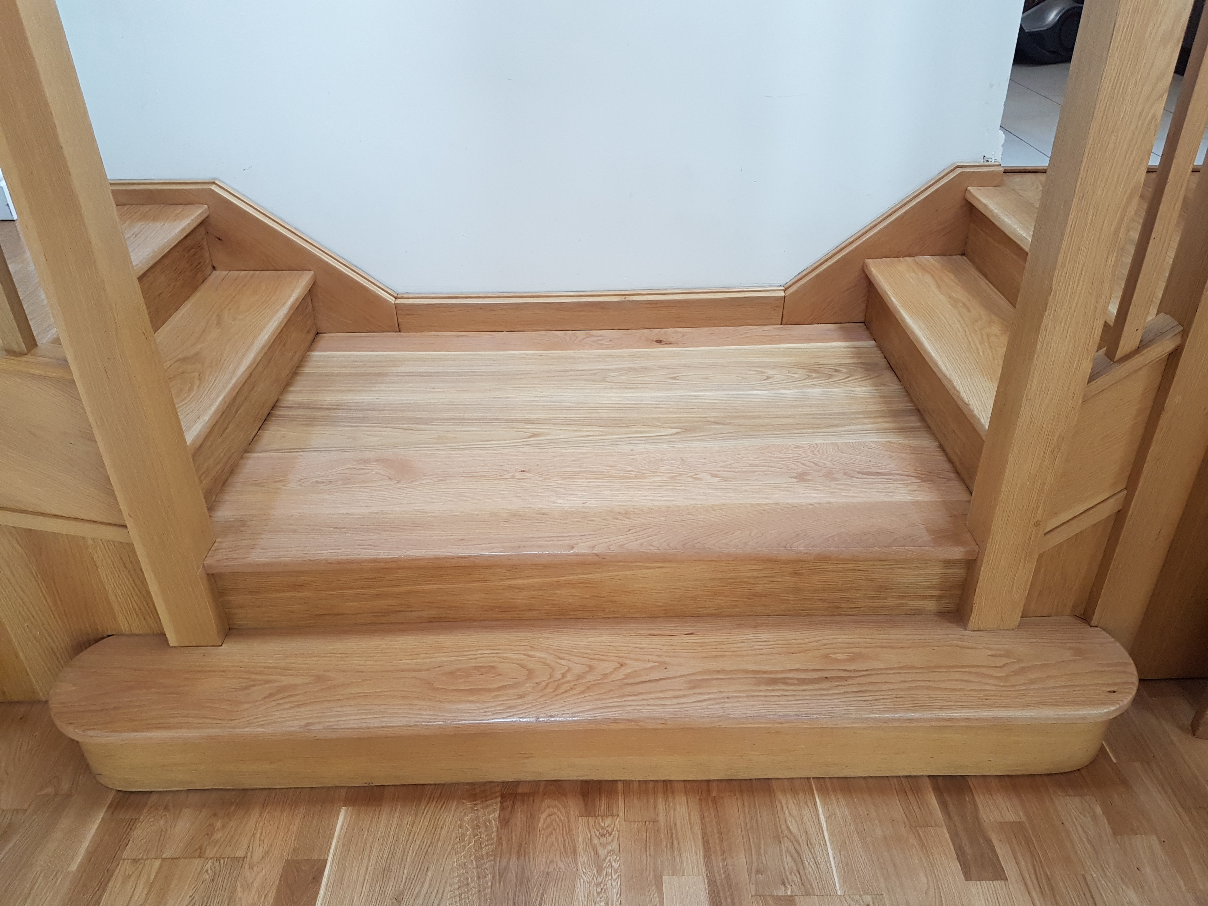 Oak staircase lacquered