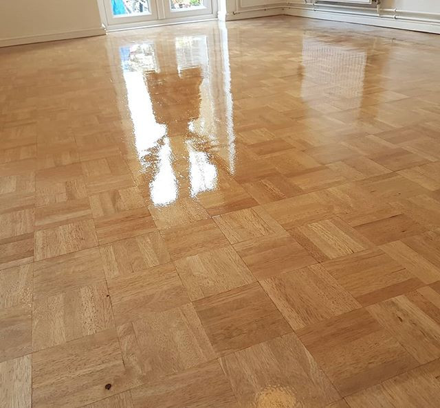 Two different types of 5 finger parquet
