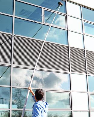 Fensterputzer Fensterreinigung Firmengebäude