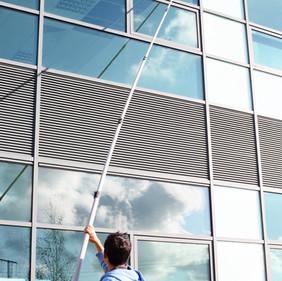 Мойка фасадов зданий, мойка витрин