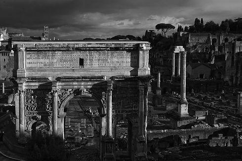 Roma_B&W copy.jpg