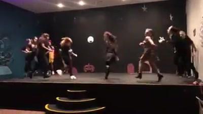 Apresentação_da_turma_de_musical_na_fest