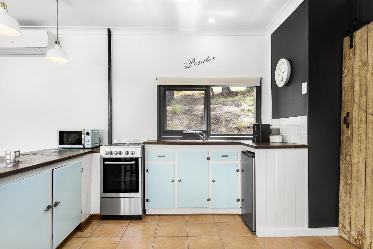 Kitchen - PONDER Cottage