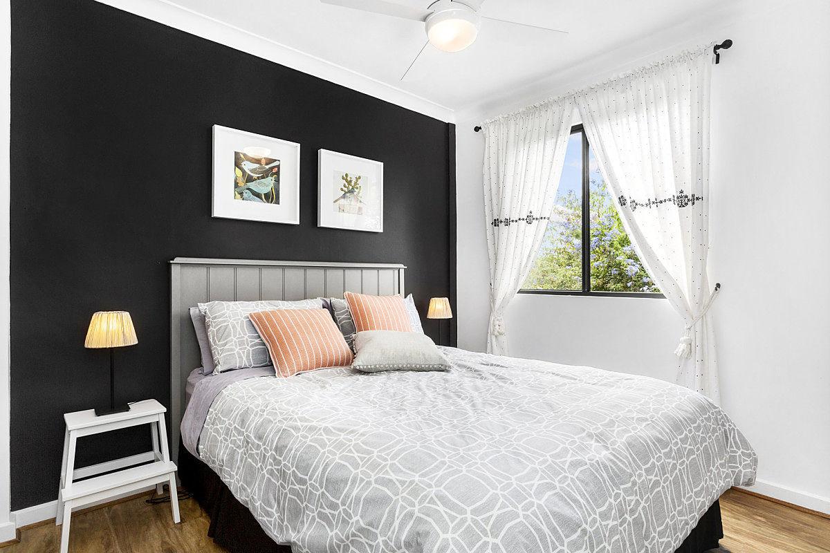 Bedroom - PONDER Cottage