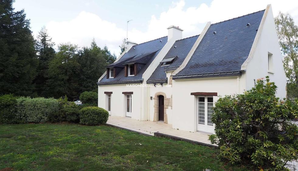 Maison familiale avec jardin et terrasse en Bretagne