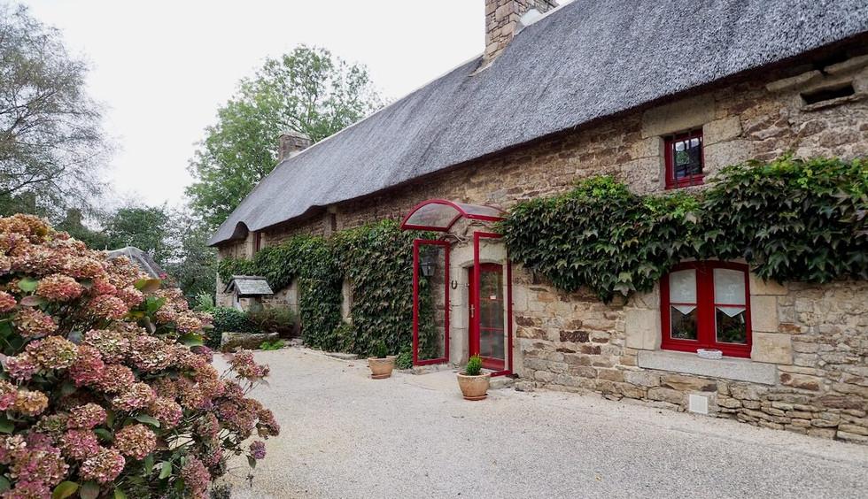 Offre acceptée pour cette maison en pierre avec dépendance à Kervignac Immobilier Maisons de Bretagne