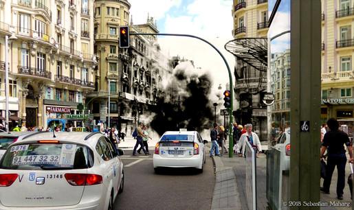 Bombas sobre Gran Vía.