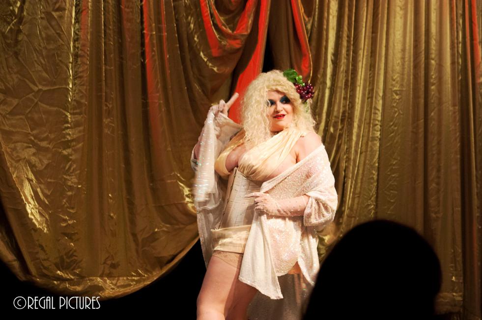Burlesque Performer Sarah Tonin, Coney Island Sideshow NY