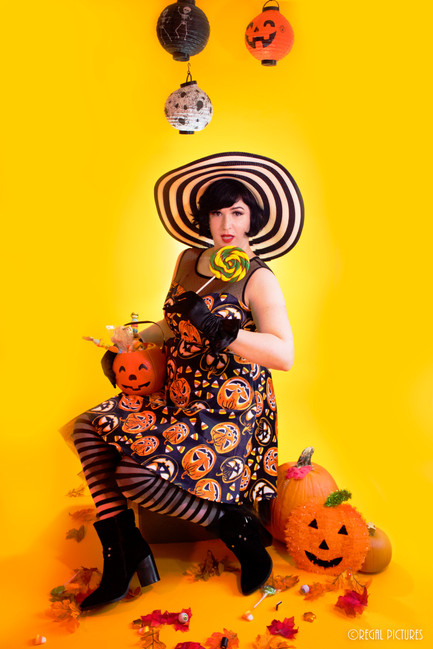 Burlesque Performer Sincerely Yours