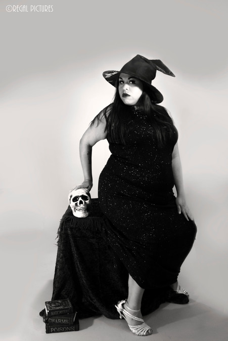 Burlesque Performer, Regal Mortis