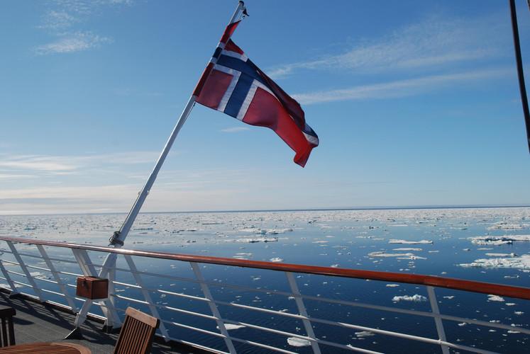 MS Spitsbergen, Flagge