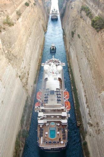 SeaDream I im Korinth Kanal