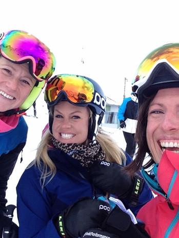 Amanda with ski buddies Lynn and Chemmy