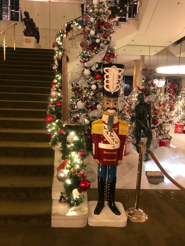 Nutcracker at front right side flanking