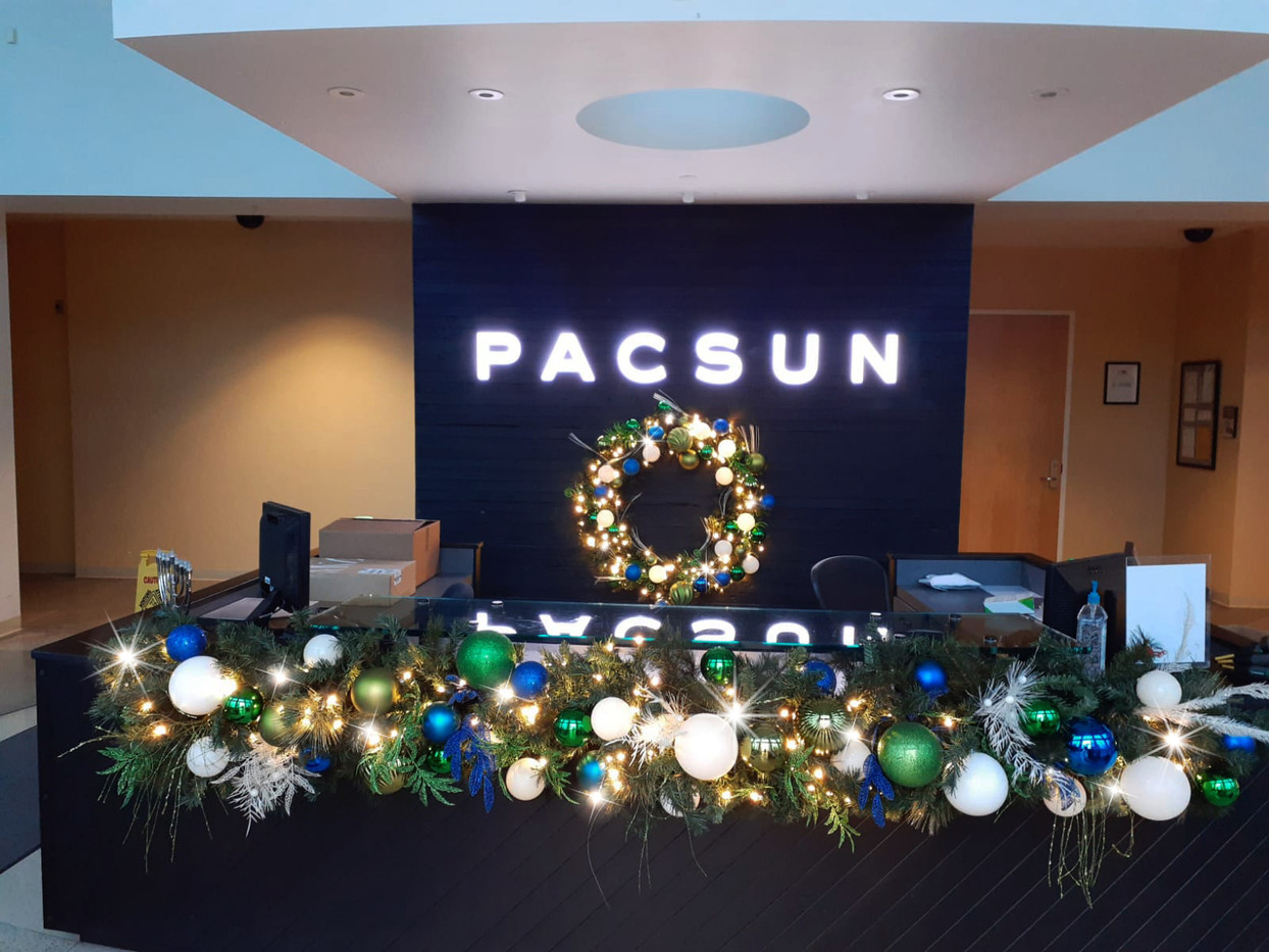 PAC SUN CORPORATE (3) - edit wreath.jpg