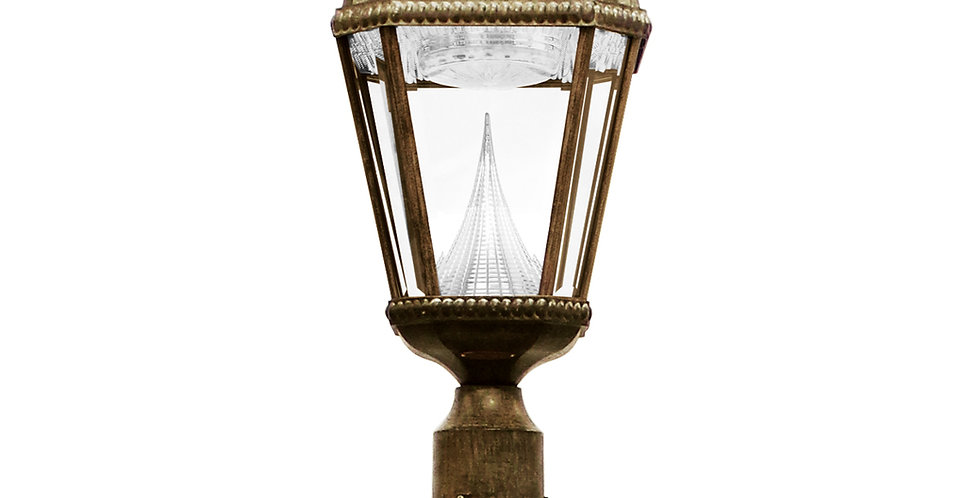 Gama Sonic Single Royal Post Lamp