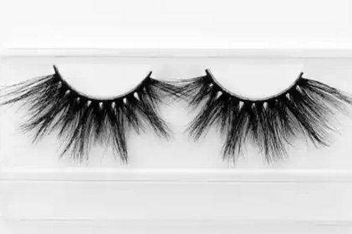 Savage Mink Eyelashes